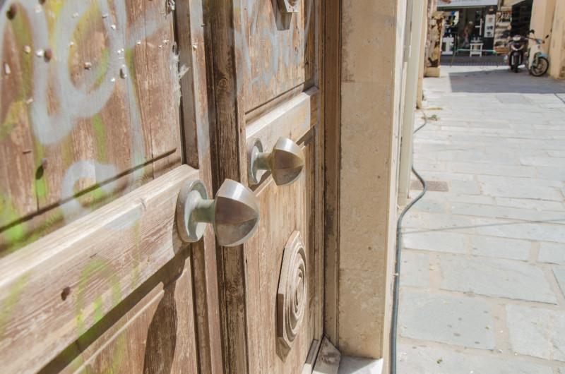 Pretty doors in Rethymno