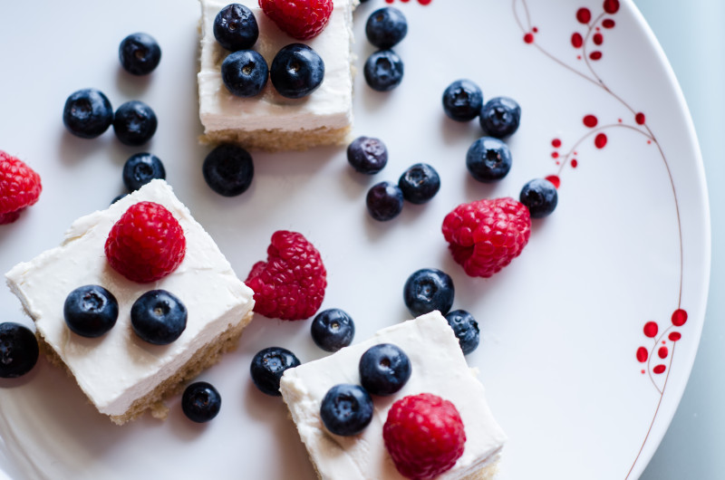 4th of July Dessert Recipe: Rice Krispies Treats w/ Cheesecake