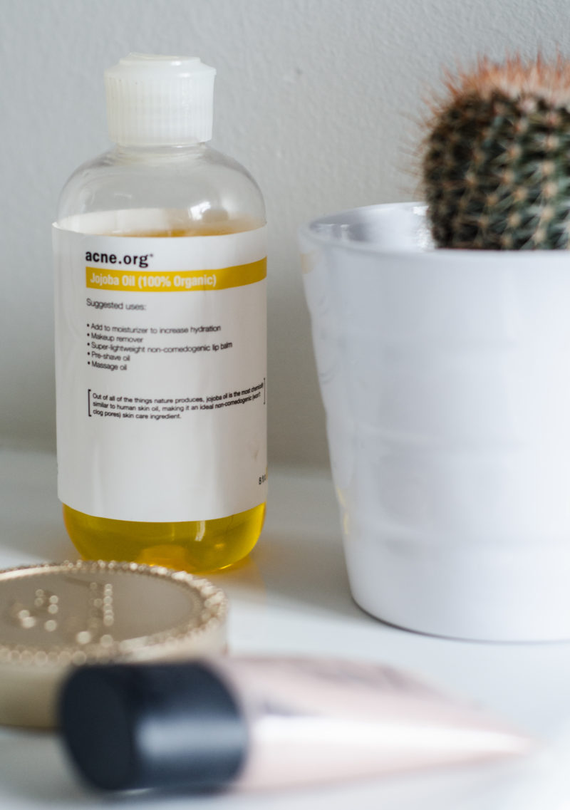 How to use jojoba oil
