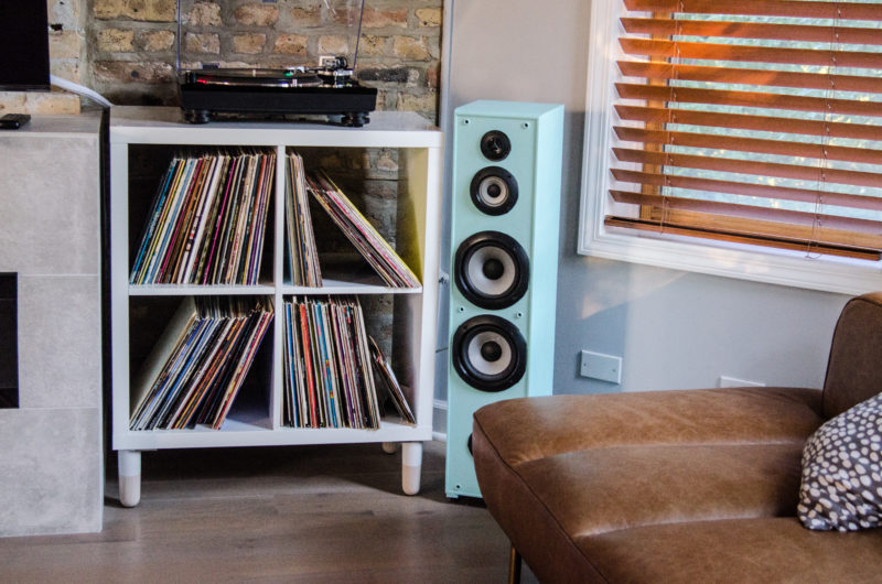 A Minimalist Vinyl Record Storage Idea
